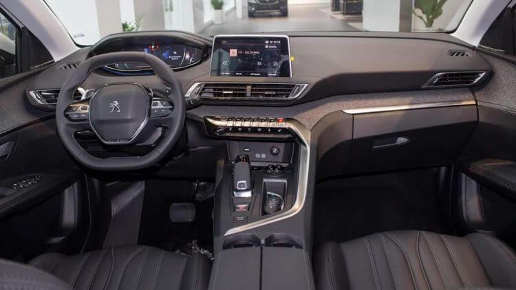 đánh giá nội thất xe Peugeot 3008 sang trọng