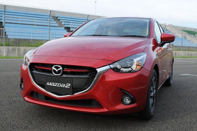 So sanh Mazda 2 va vios 3