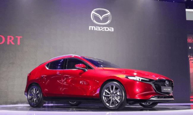 Đánh giá xe Mazda 3 Sport 1.5L thế hệ mới màu đỏ