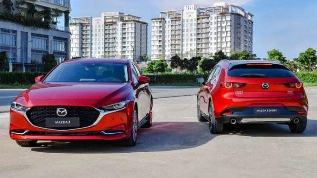 Đánh giá Mazda 3 Luxury 2020 xe màu đỏ bên ngoài thực tế