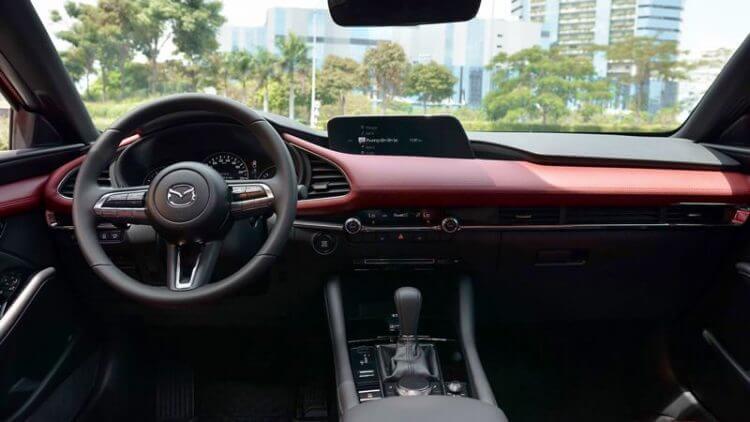 Đánh giá nội thất Mazda 3 2020