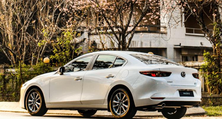 Đánh giá Mazda 3 2020 về ngoại hình mẫu màu trắng