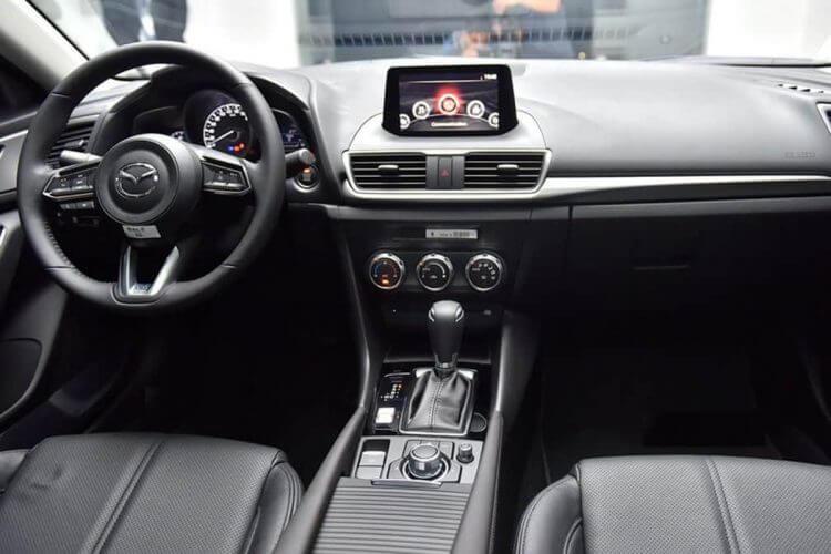 So sánh Mazda 3 2019 và 2020 về nội thất