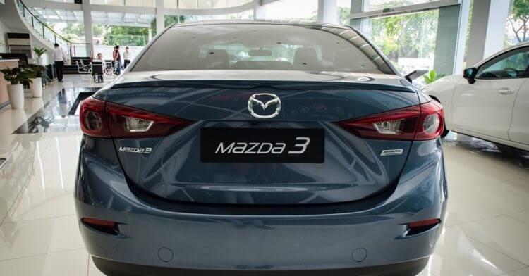 Đánh giá Mazda 3 2016 thiết kế đuôi xe