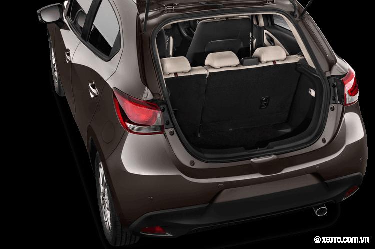 Đánh giá khoang chứa đồ Mazda 2 Hatchback 2020