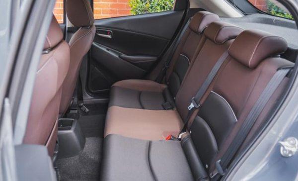 Đánh giá Mazda 2 AT 2020 hàng ghế thứ 2