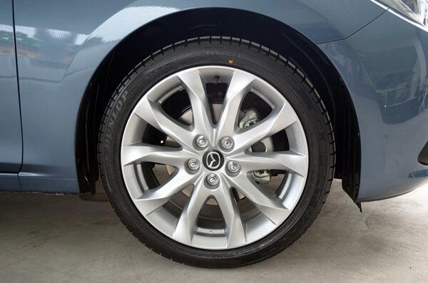 Đánh giá Mazda 3 2015 bộ mâm xe