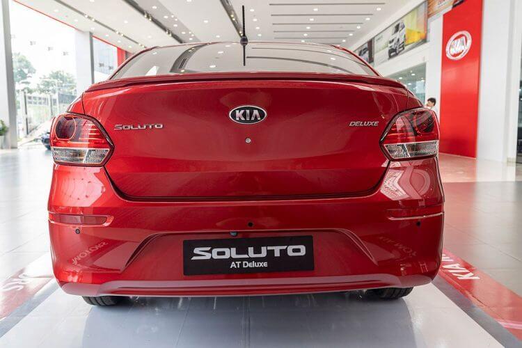 Đánh giá xe Kia Soluto 2019 về đuôi xe tối giản