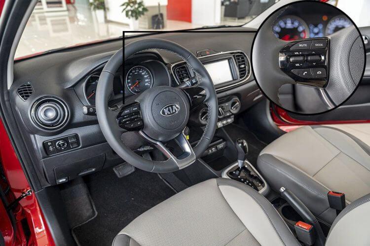Đánh giá xe Kia Soluto 2019 về vô lăng