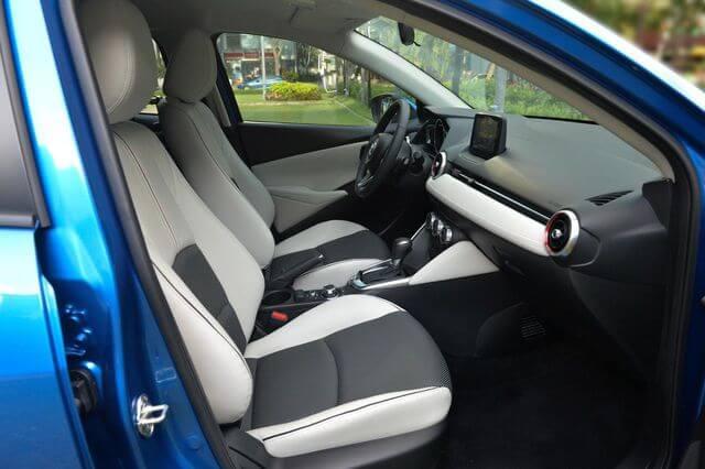 đánh giá Mazda 2 2020 hàng ghế bọc nỉ