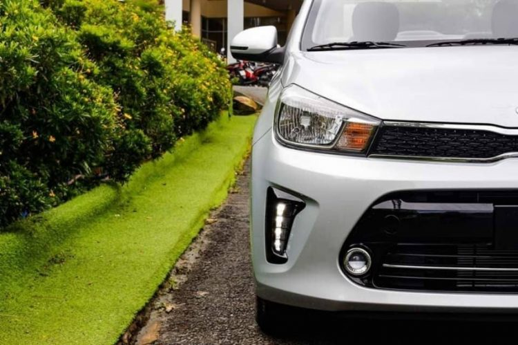Đánh giá xe Kia Soluto 2020 đầu xe