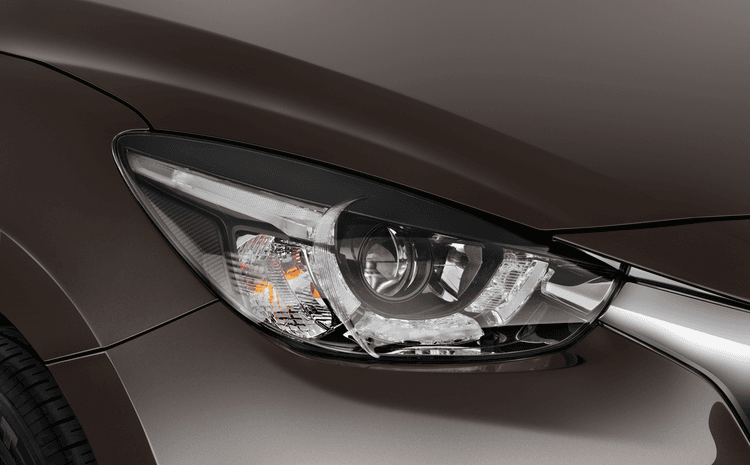 Đánh giá đèn pha Mazda 2 Hatchback 2020