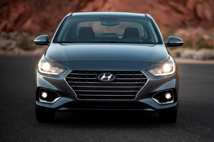So sánh Honda City và Hyundai Accent 2021 về đầu xe