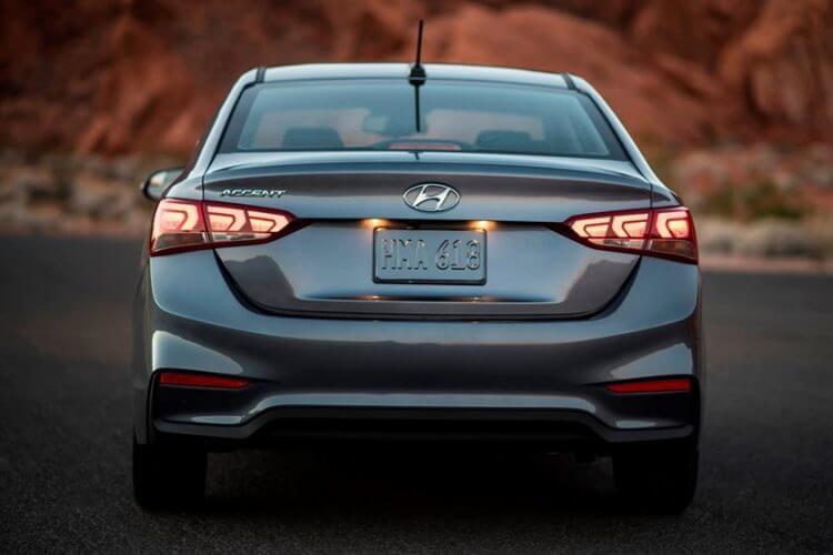 So sánh Honda City và Hyundai Accent 2021 về đuôi xe