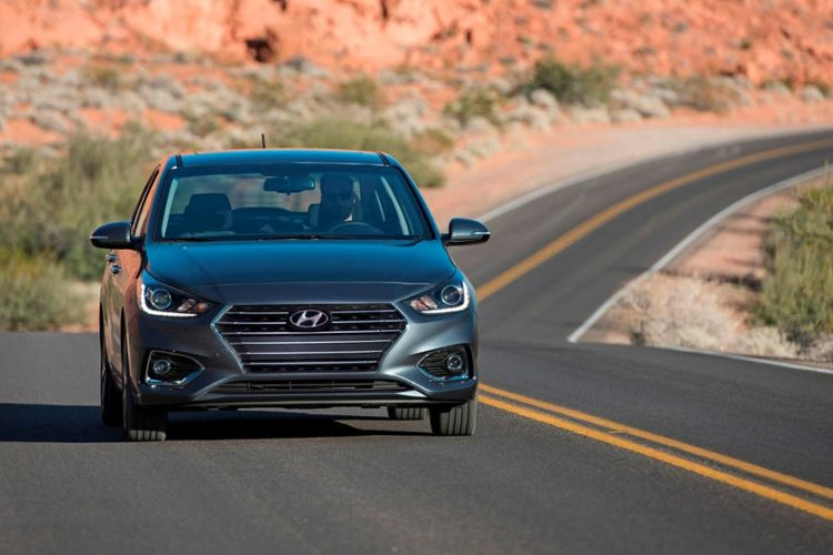 So sánh Honda City và Hyundai Accent 2021