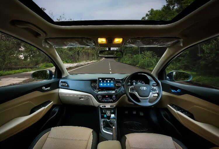 So sánh Honda City và Hyundai Accent 2021 về nội thất