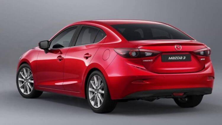 Đánh giá Mazda 3 2017 thiết kế đuôi xe