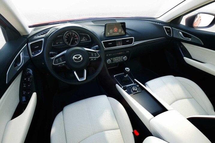 Đánh giá Mazda 3 2017 thiết kế nội thất
