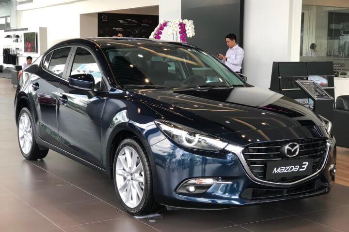 Đánh giá Mazda 3 Luxury 2019 màu đen