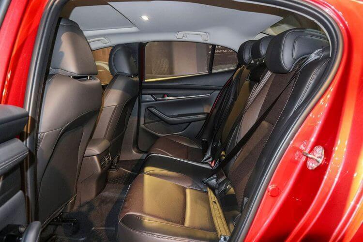 đánh giá Mazda 3 2018 ghế sau