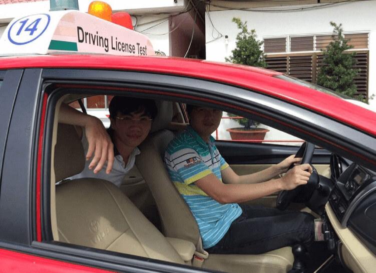 mức học phí thi bằng lái xe ô tô 2020
