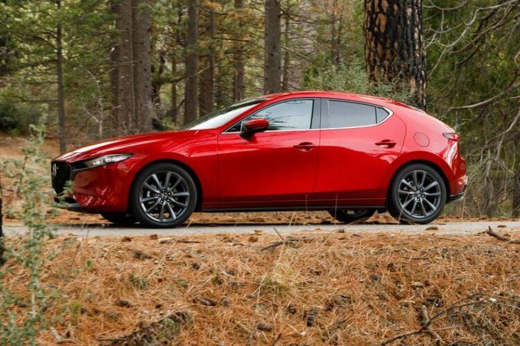 So sánh Vios và Mazda 3 về thiết kế đầu xe