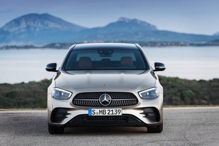 Gia lan banh xe Mercedes Benz E Class Mercedes E200 Sport