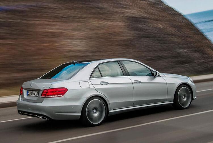 Giá xe Mercedes Benz E Class mới nhất