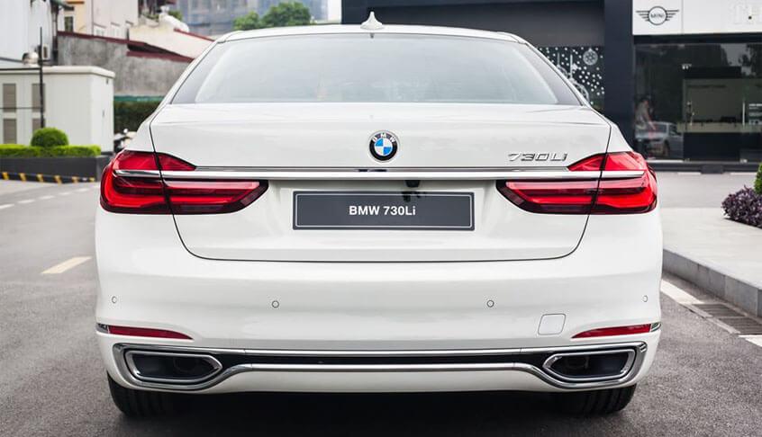 duoi xe BMW 730Li