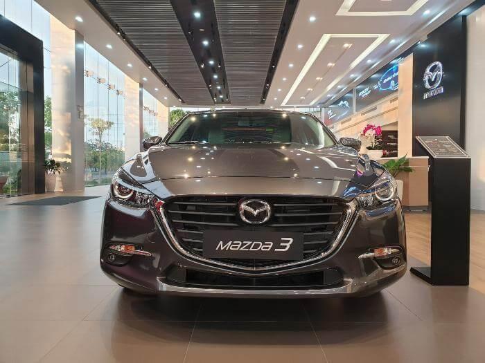 Mệnh Kim hợp xe Mazda 3 Luxury 2019
