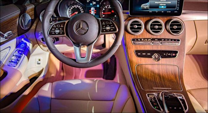 noi that Mercedes C200 Exclusive
