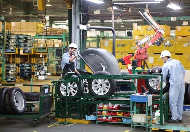 Thuế nhập khẩu ô tô tiến về 0% sau khi ký hiệp định thương mại tự do