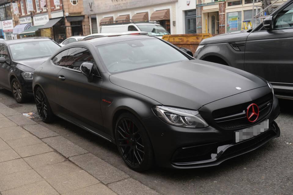 Xe màu đen có hợp với người mệnh Kim không?