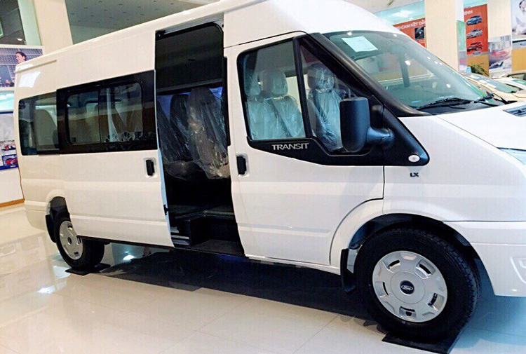 Gia Ford Transit 2019 cu