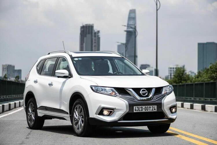Gia lan banh Nissan X-Trail