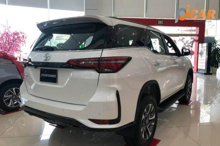 Đuôi Xe Toyota Fortuner 2021