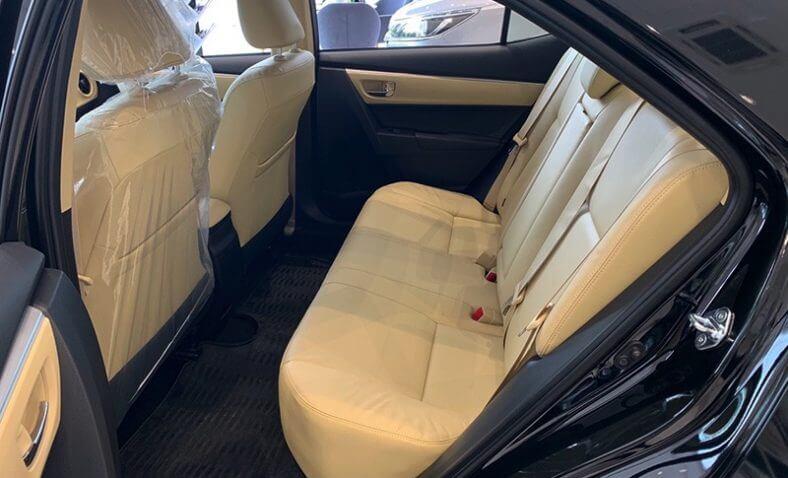 Ghế sau xe Toyota Corolla Altis 2021