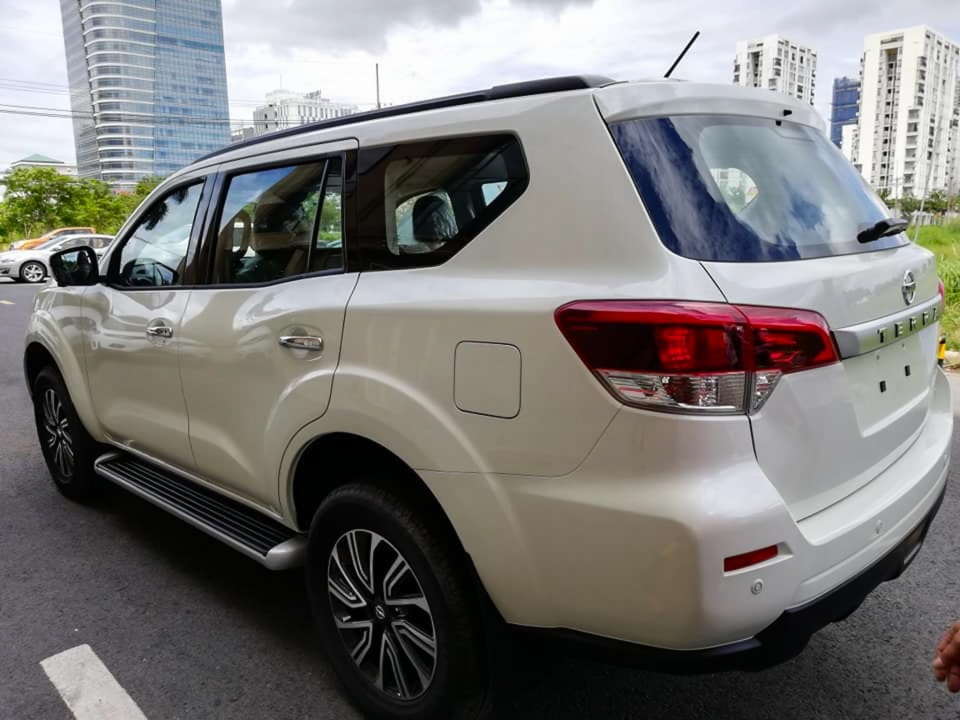 danh gia xe nissan terra 2021