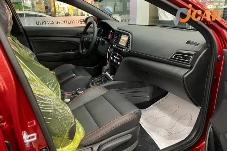 Hàng ghế trước xe Hyundai Elantra 2021