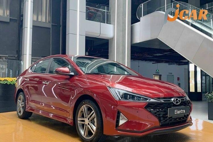 Ngoại thất mẫu xe Hyundai Elantra 2021