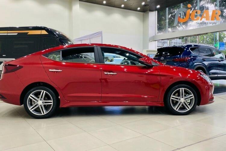 Thân xe Hyundai Elantra 2021