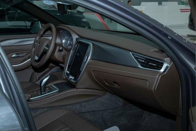 Nội thất mẫu xe Vinfast Lux A2.0 2021